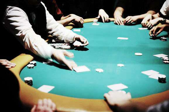 Kenapa harus bertaruh di game poker